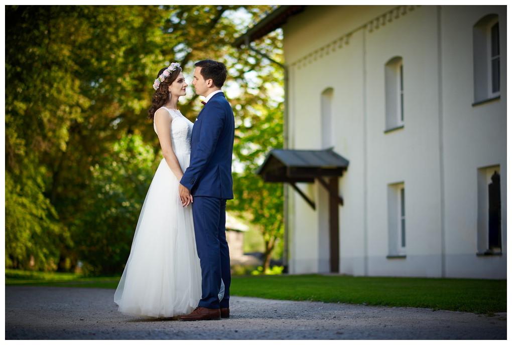 16 - fotografia ślubna - sesja plenerowa Ojców