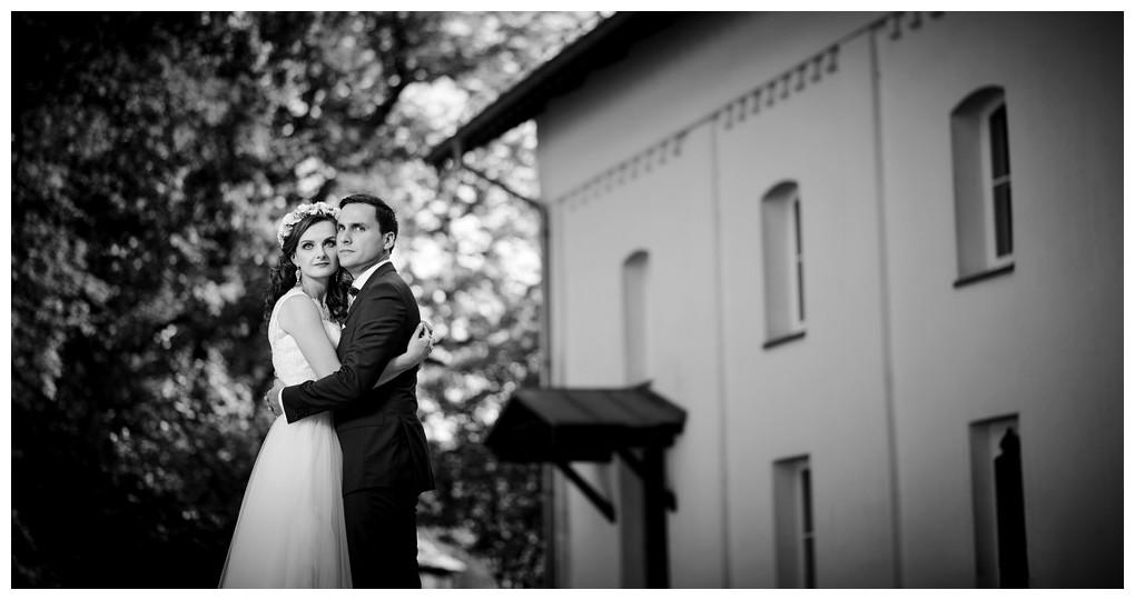 17 - fotografia ślubna - sesja plenerowa Ojców