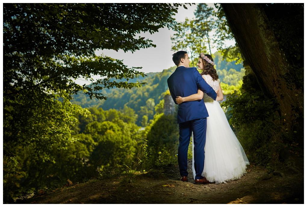 7 - fotografia ślubna - sesja plenerowa Ojców